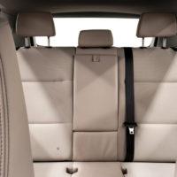 Back seat restraits
